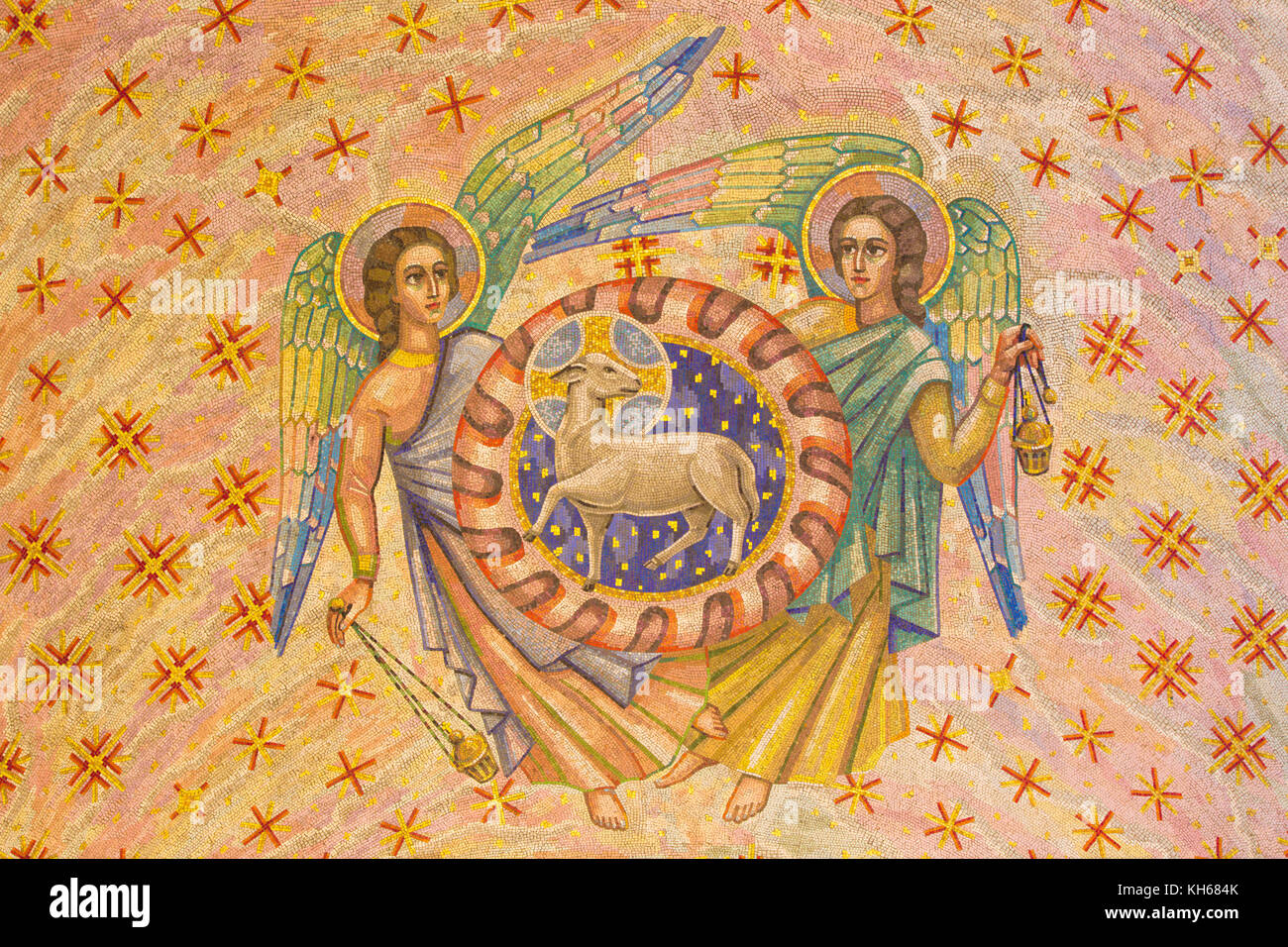 LONDON, GREAT BRITAIN - SEPTEMBER 17, 2017: The mosaic of Lamb of God and andgels in Westminster cathedral and Blessed - Stock Image