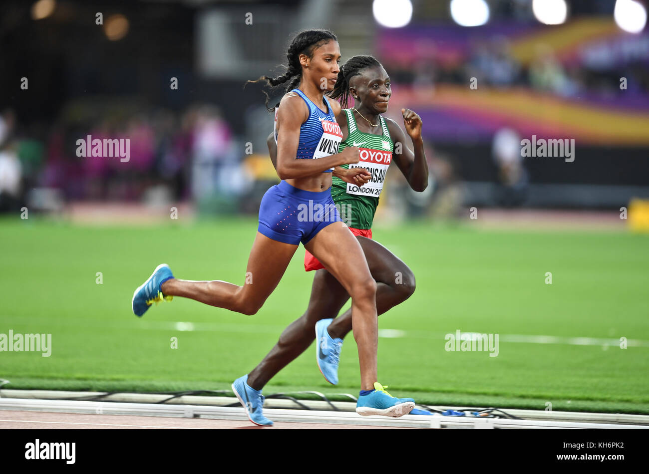 Ajee Wilson (USA) and Francine Niyonsaba (Burundi) - 800m women Bronze Medal - IAAF World Championships - London - Stock Image