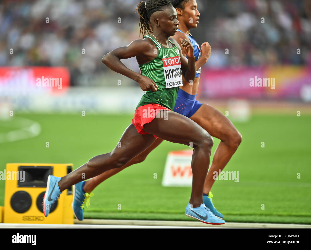 Ajee Wilson (USA) and Francine Niyonsaba (Burundi) - 800m women Bronze Medal - IAAF World Championships - London Stock Photo