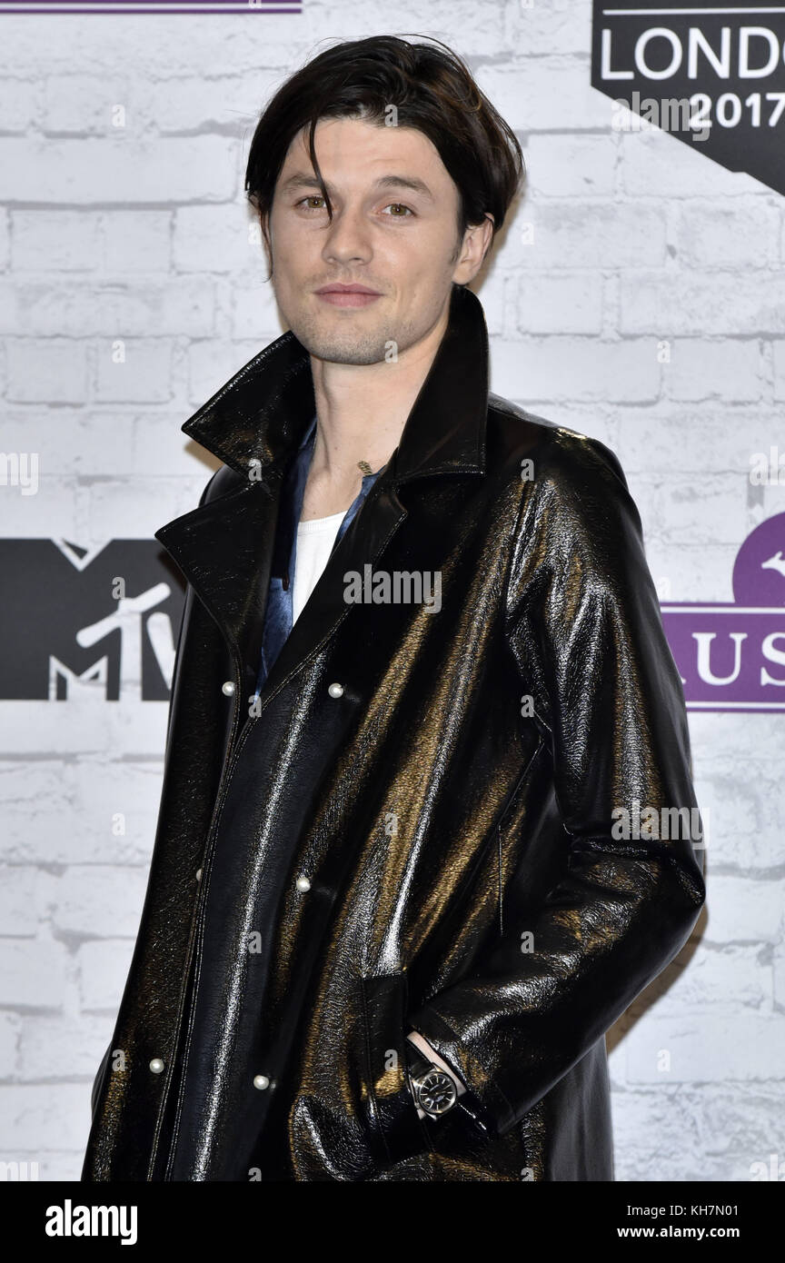 6a5858e1ace James Bay poses in the winner s room during the MTV European Music Awards  2017 at the Wembley Arena on November 12