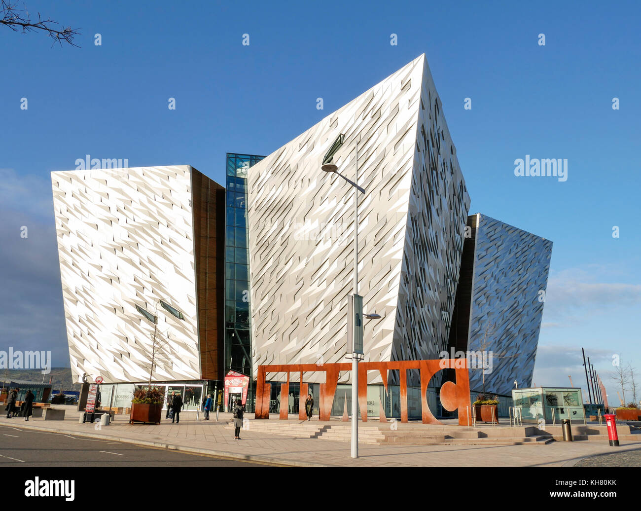 Belfast, Northern Ireland, UK. 16th Nov, 2017. UK weather: Titanic Belfast in the late afternoon sun. Although the Stock Photo