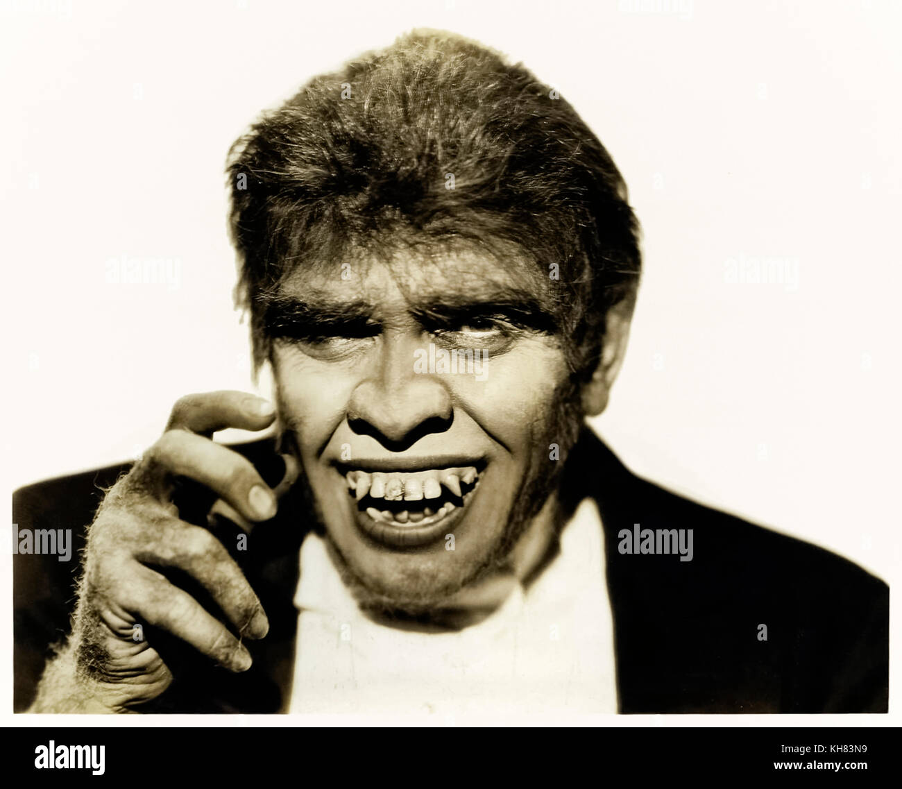 Dr. Jekyll and Mr. Hyde (1931) directed by Rouben Mamoulian, studio photograph of Fredric March in heavy make up - Stock Image