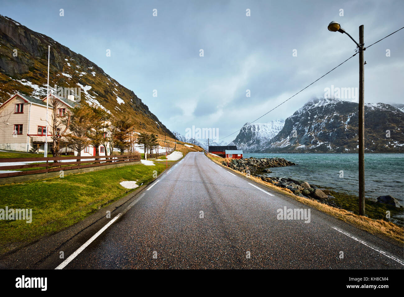 Road in Norway along the fjord - Stock Image