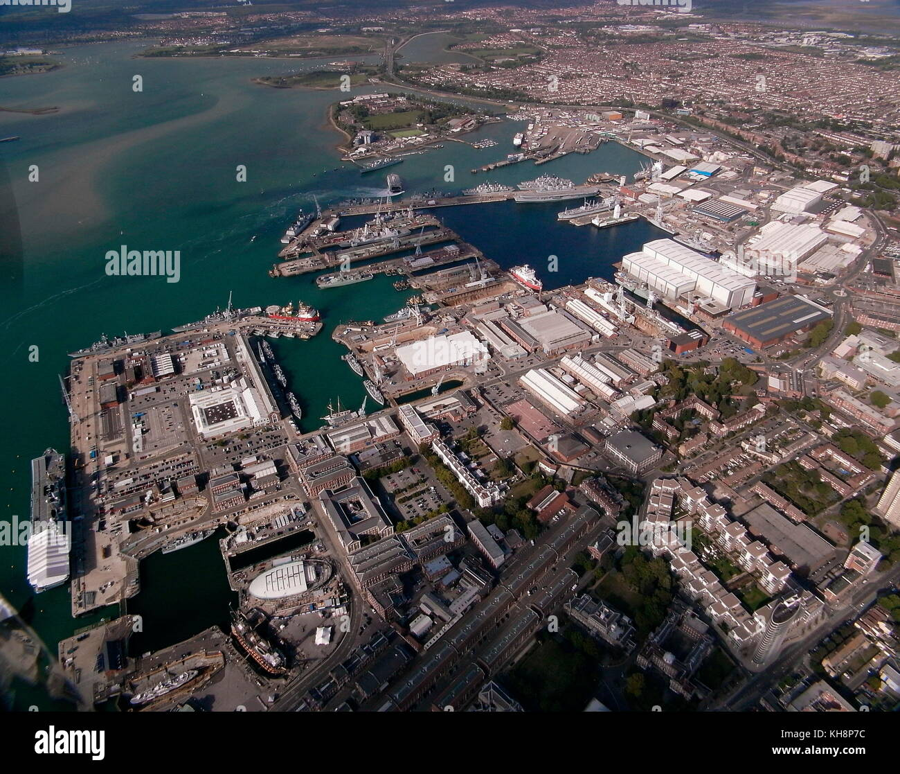AJAXNETPHOTO.24TH AUGUST, 2011. PORTSMOUTH, ENGLAND. - BIRD'S EYE VIEW - THE CITY'S SPRAWLING NAVAL BASE, - Stock Image