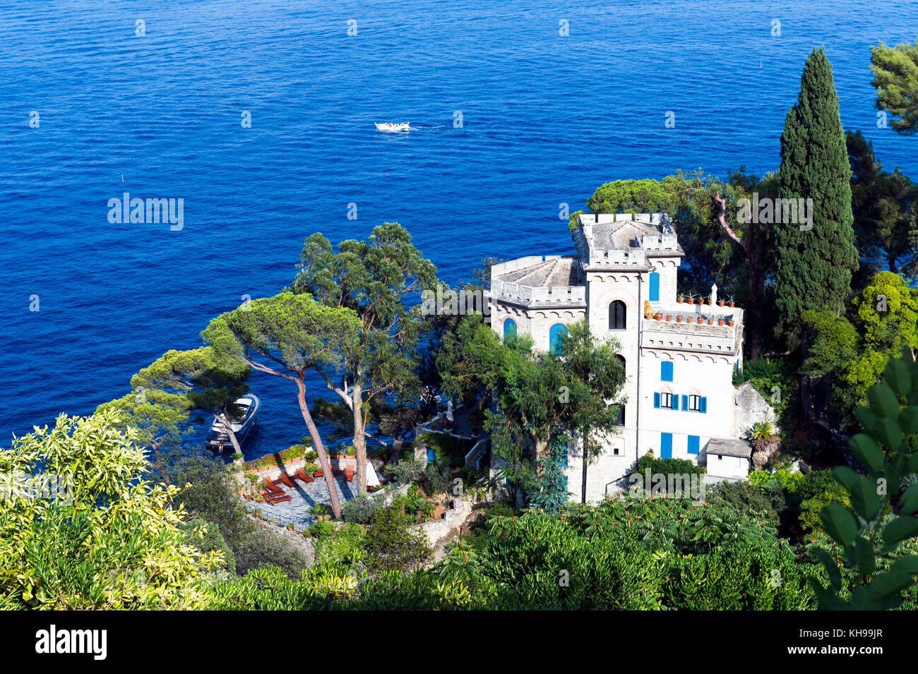 Italy. Liguria. Gulf of Tigullio, Italian Riviera. Portofino. Villa overlooking the sea owned by Dolce & Gabbana - Stock Image