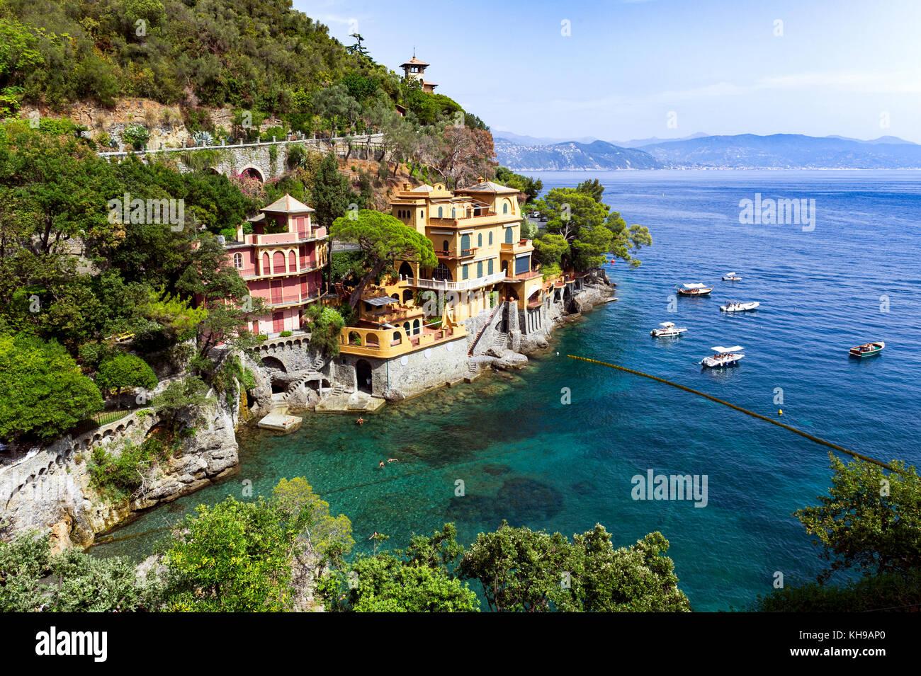 Italy. Liguria. Gulf of Tigullio, Italian Riviera. Portofino. The Ligurian Coast. Villa overlooking the sea Stock Photo