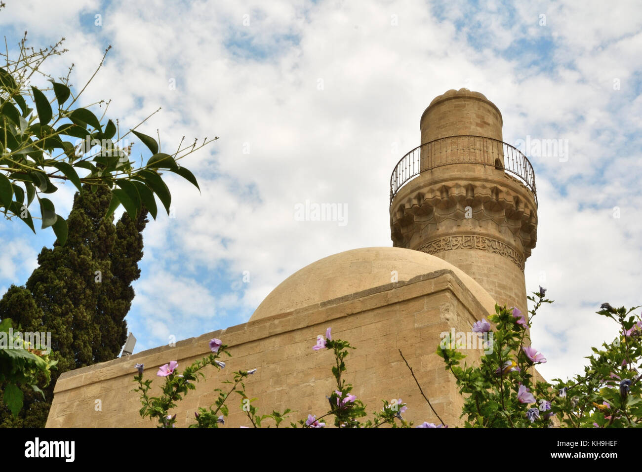 Baku,the 15th century mosque in the fortless built during the Shirvanshah dynasty - Stock Image