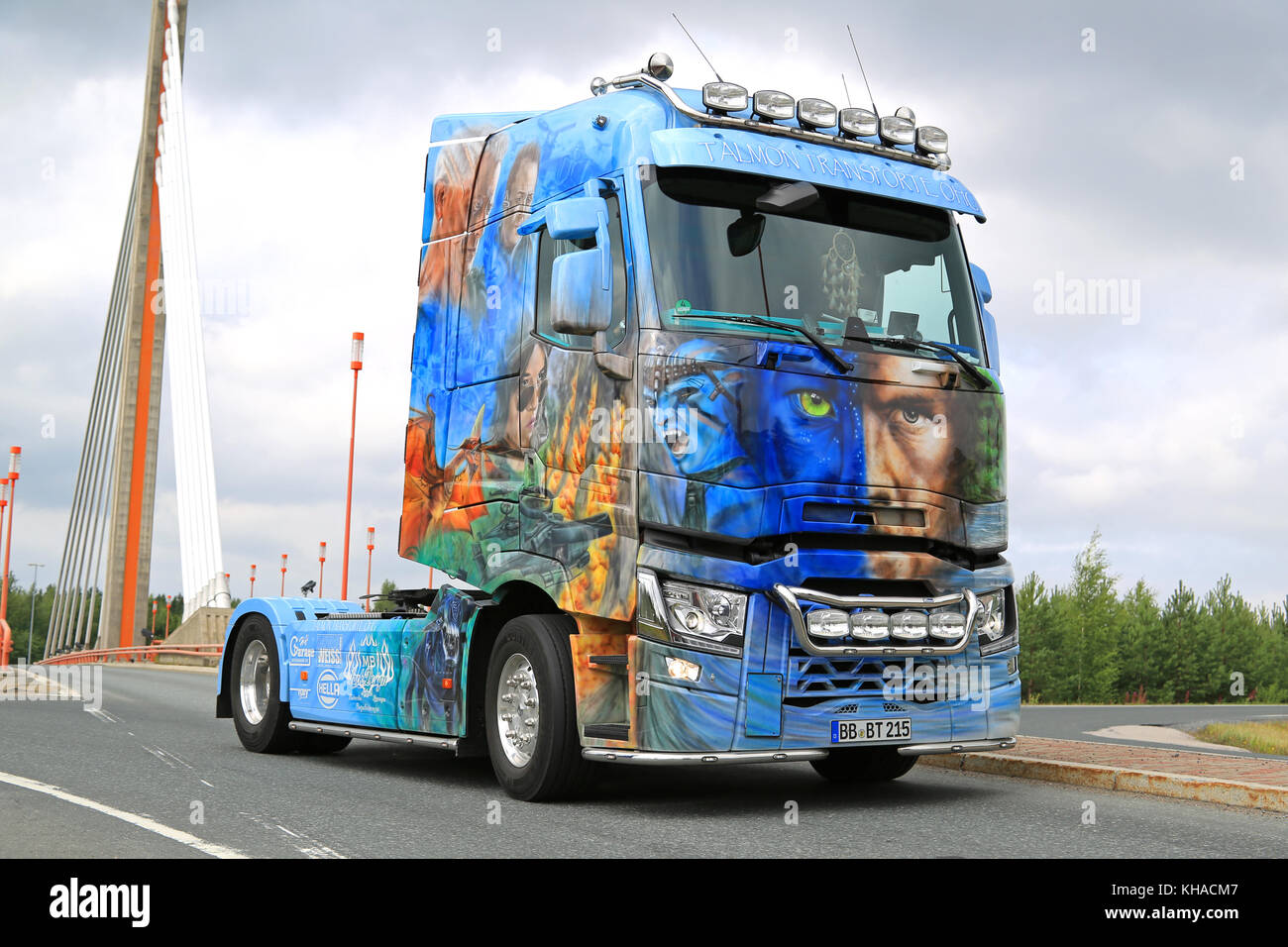 LEMPAALA, FINLAND - AUGUST 6, 2015: The German Renault Trucks T480 Avatar of Talmon Transporte OHG takes part in - Stock Image