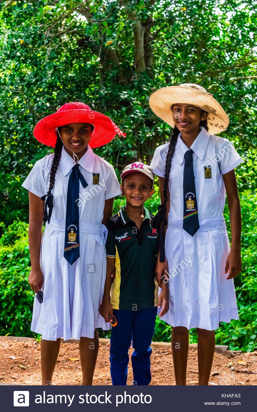 School children in uniform, Trincomalee, Sri Lanka. - Stock Image