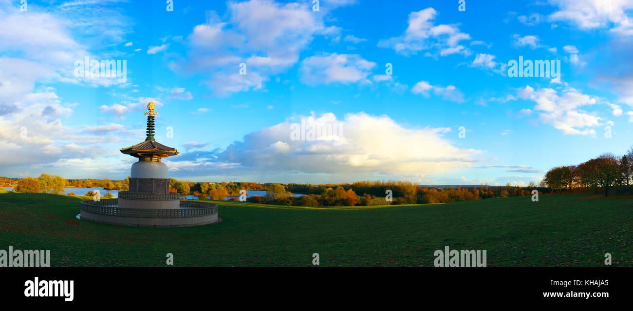 Peace Pagoda in Willen Park, Milton Keynes, Buckinghamshire, England - Stock Image