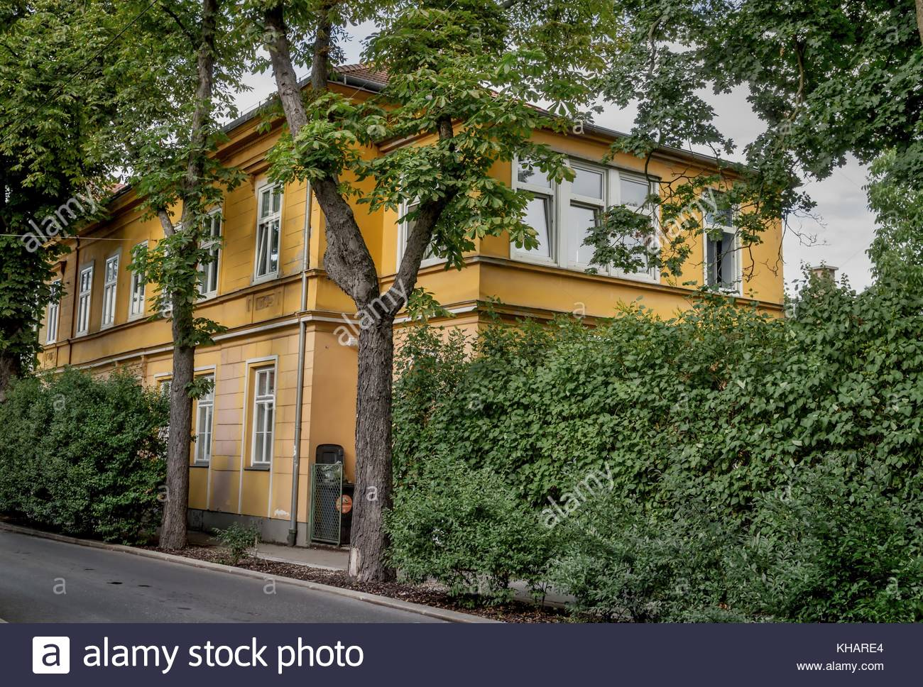 Old Mansion in the 13th district in Vienna Austria 8.July.2017 - Stock Image