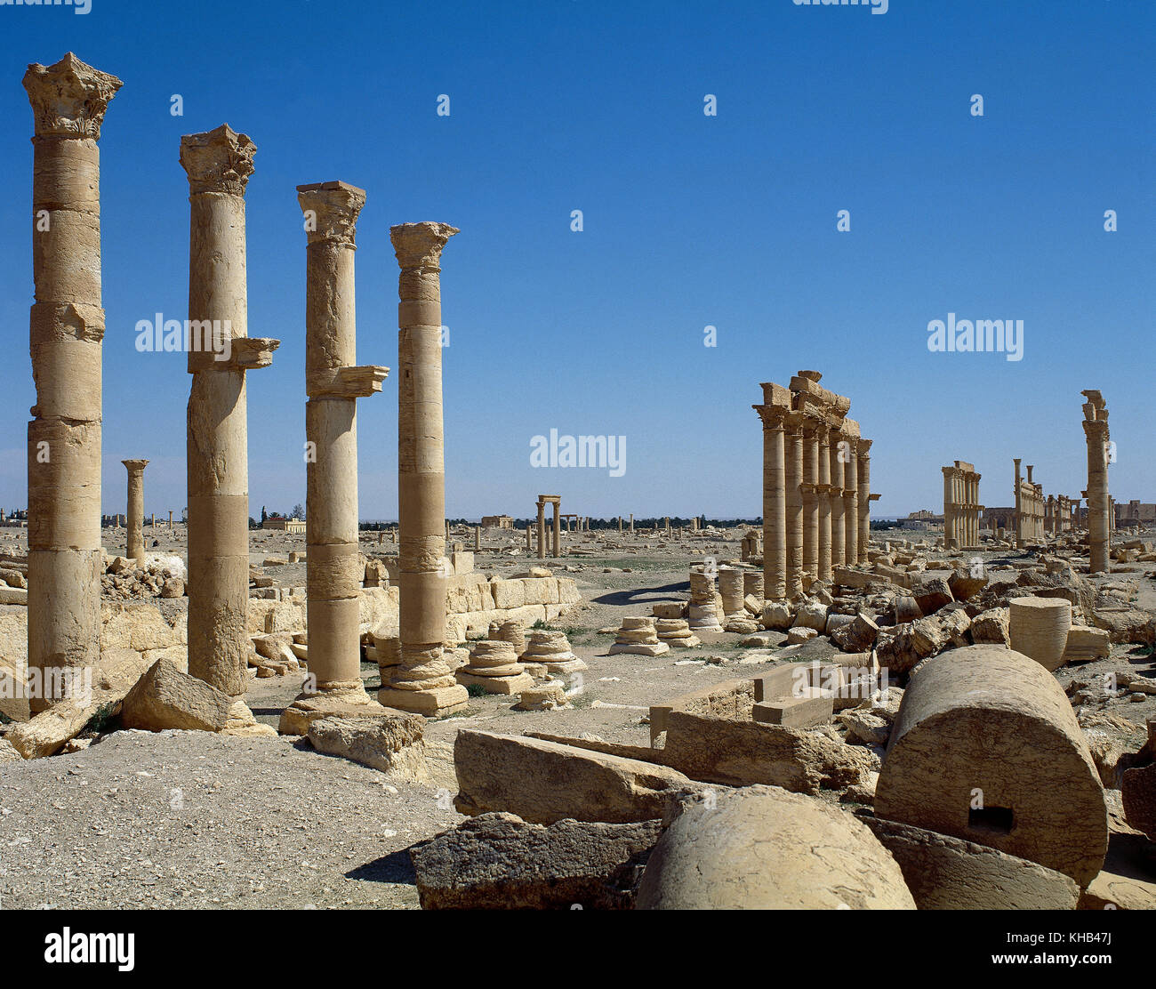 Syria. Palmyra city. The Great Colonnade. Roman Empire ruins. Tadmur, Homs. Photo before Syrian Civil War. Stock Photo