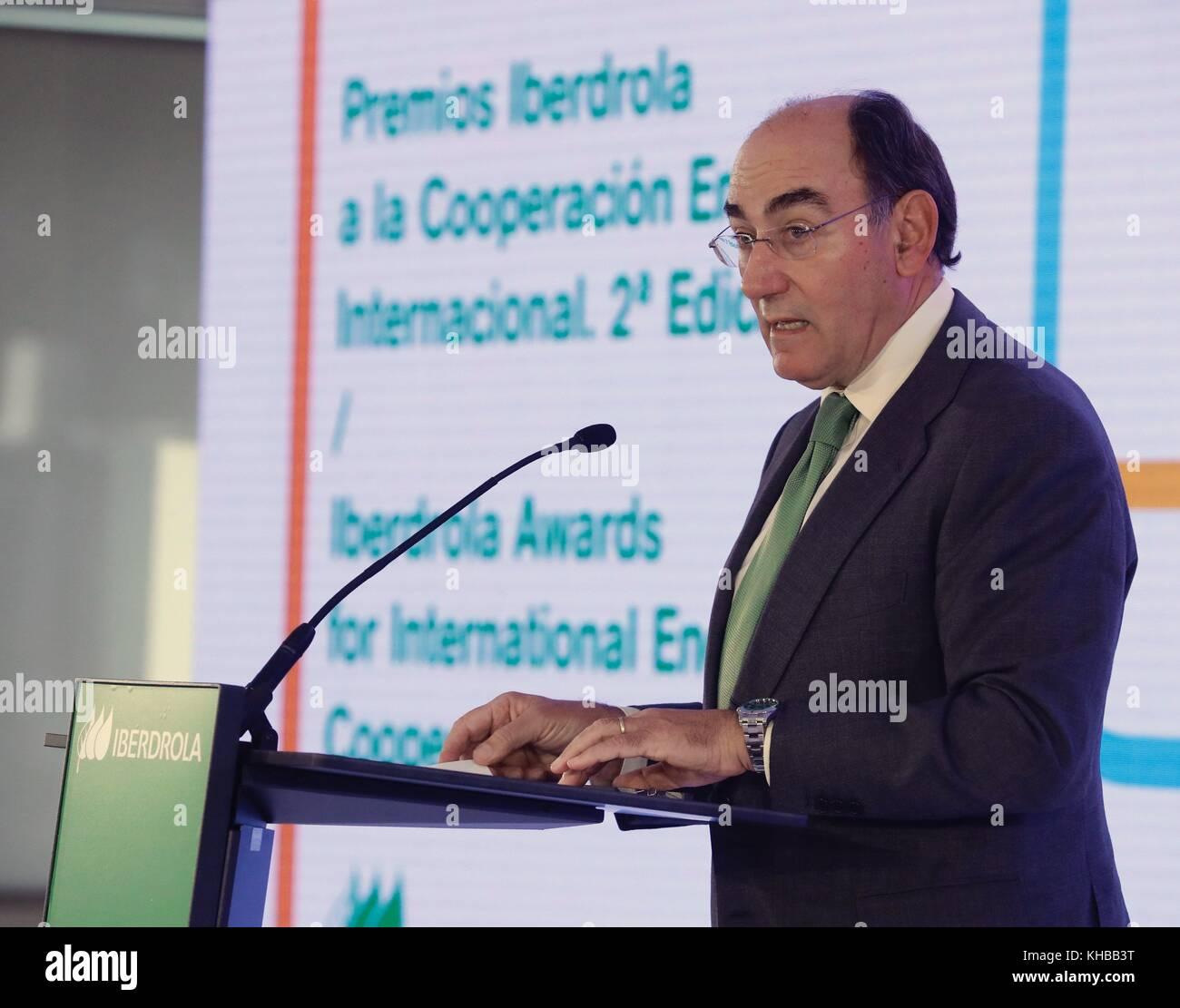 Madrid, Spain. 15th Nov, 2017. Chairman of Spanish multinational Iberdrola, Ignacio Sanchez Galan, speaks during - Stock Image