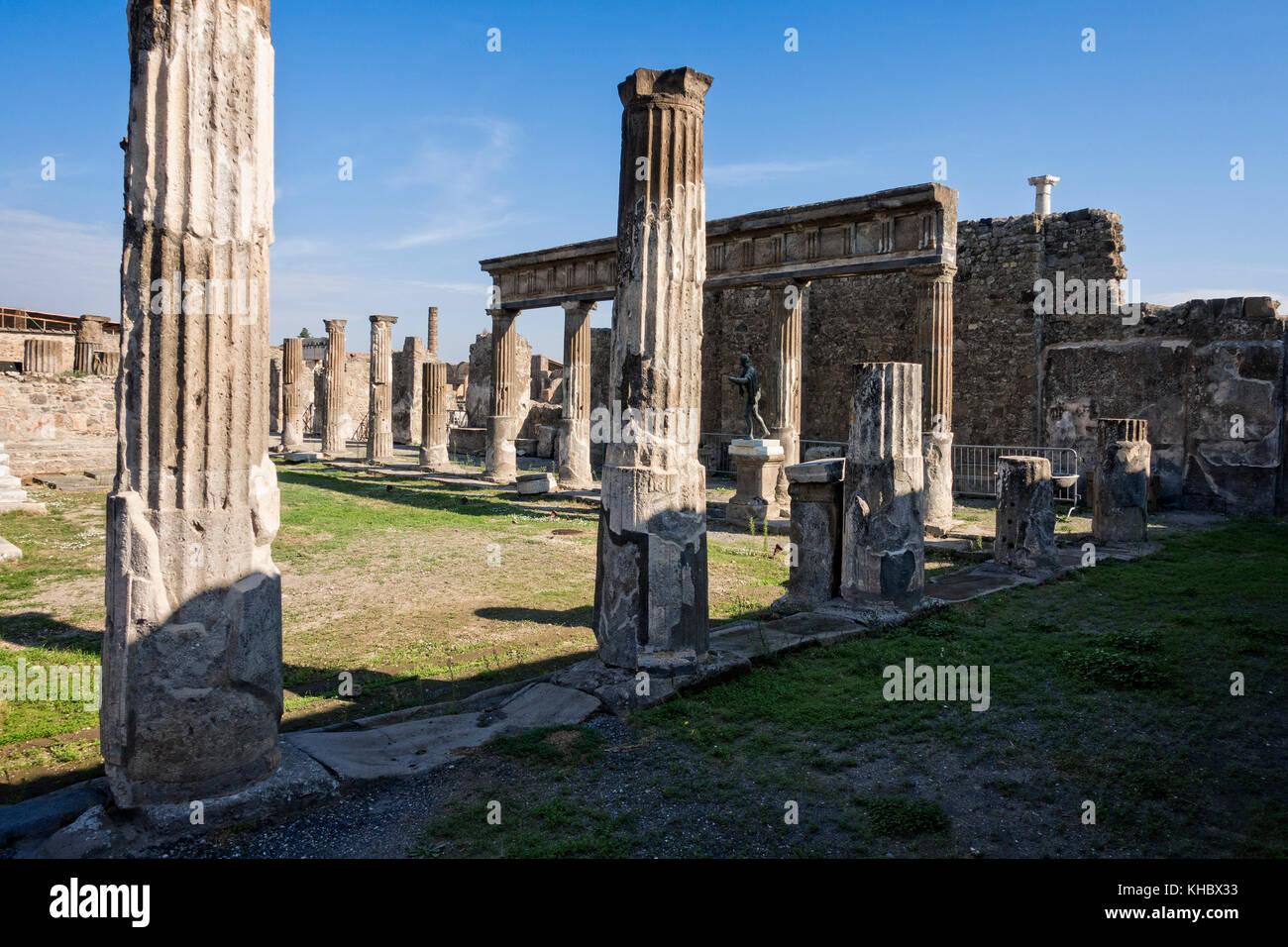 The Temple of Apolloat Pompeii near Naples and Mt. Vesuvius, Campania, Italy. - Stock Image