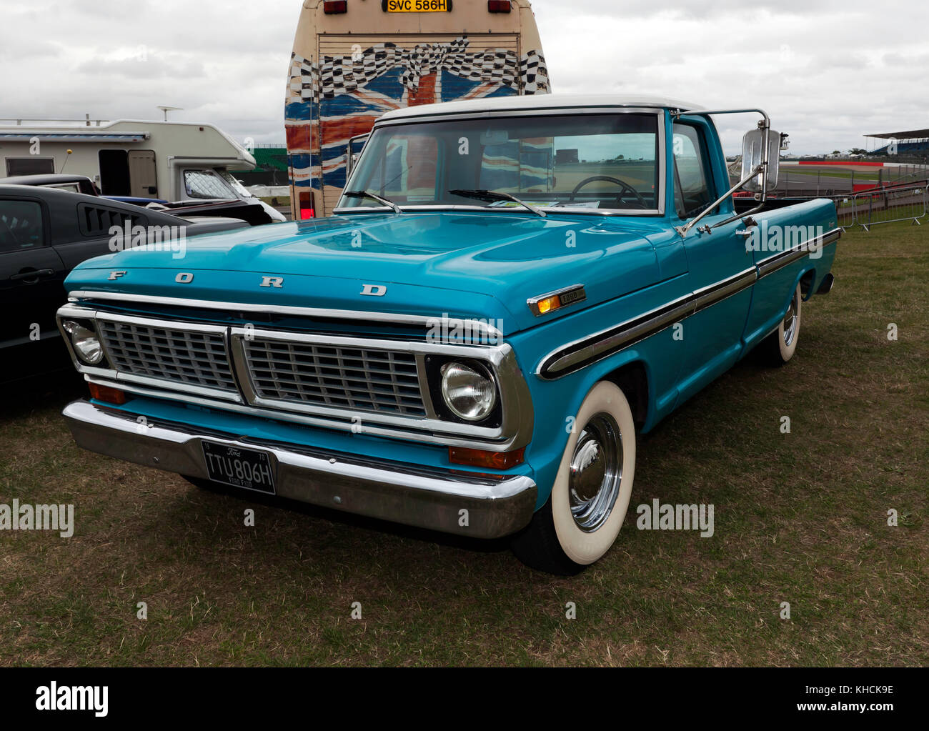 1970 Ford F100 >> Three Quarter Front View Of A 1970 Ford F100 Pick Up Truck