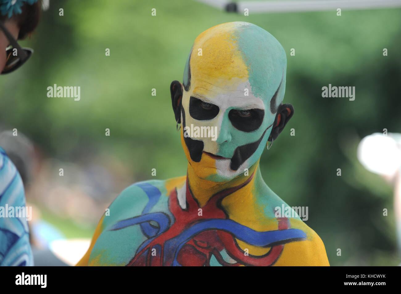 В субботу пройдет NYC Bodypainting Day в Washington Square