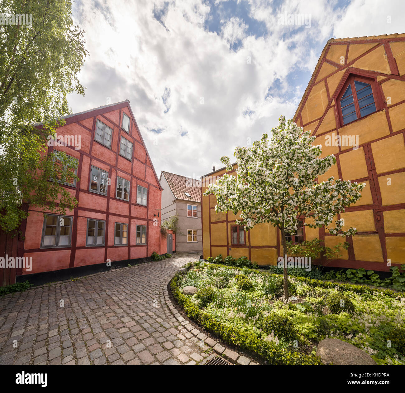 Narrow residential street in the medieval town center of Helsingor / Helsingør, Denmark, Scandinavia. - Stock Image