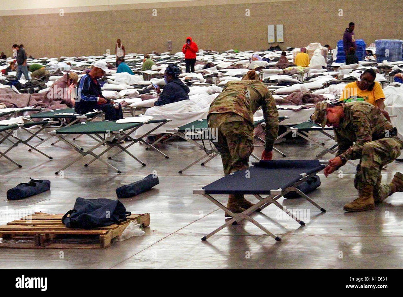 Soldiers from the Louisiana National Guard's 2228th Military Police Company headquarted in Alexandria set up - Stock Image