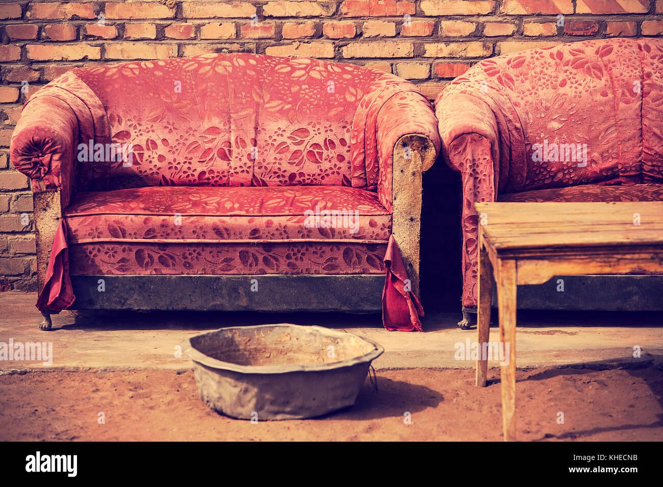 vintage sofas, badain jaran - Stock Image