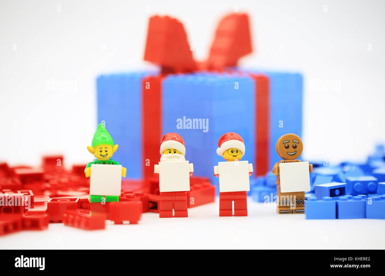 Lego Christmas Gift Box Stock Photo 165668218 Alamy