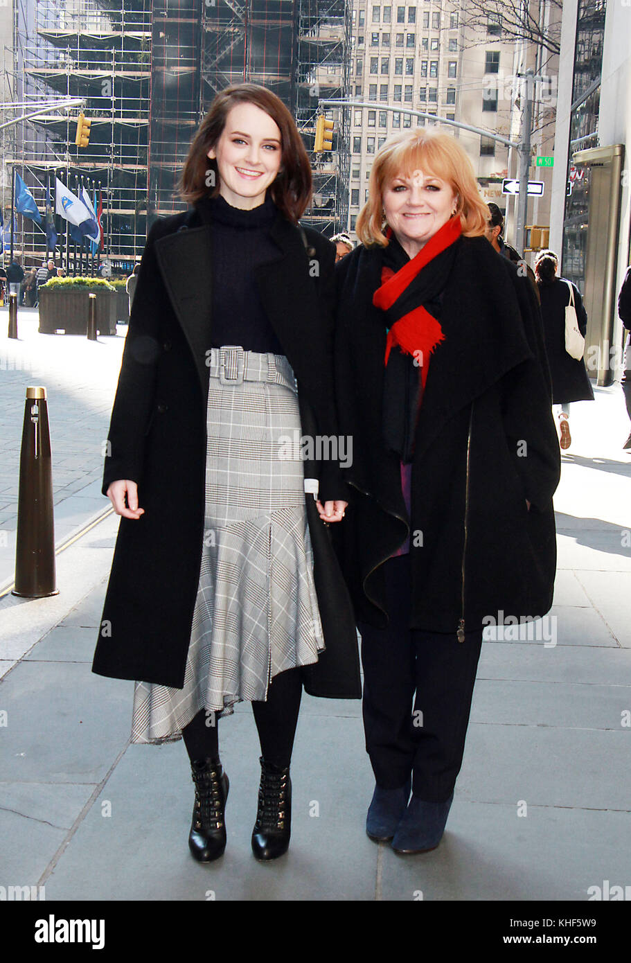 New York, NY, USA. 16th Nov, 2017. Sophie McSheera and Lesley Nicol at New York Live promoting the new Downton Abbey - Stock Image