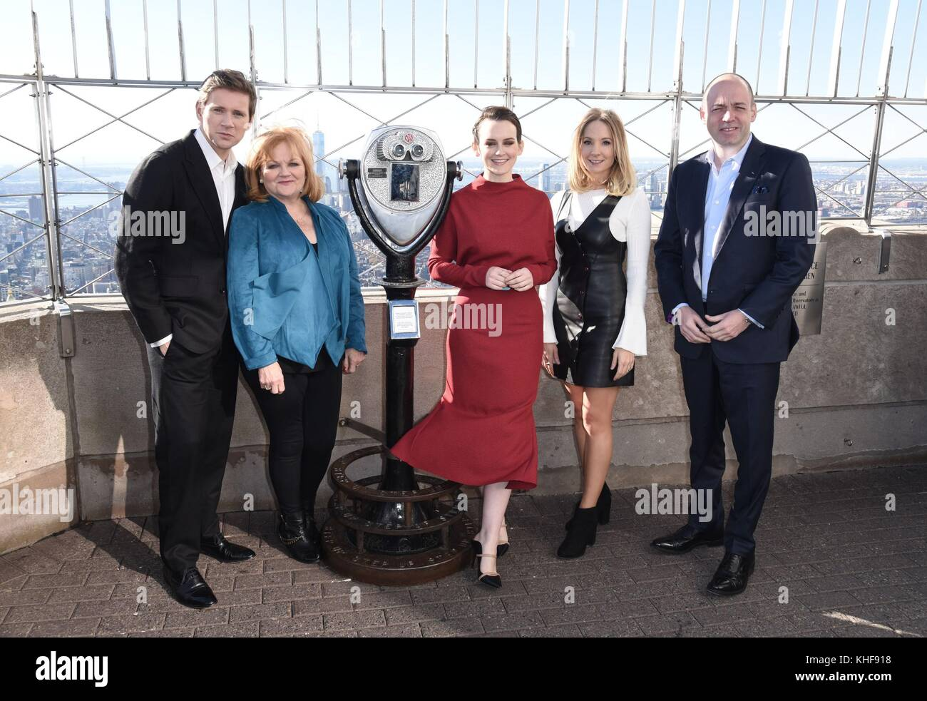 New York, NY, USA. 17th Nov, 2017. Allen Leech, Lesley Nicol, Sophie McShera, Joanne Froggatt, Gareth Neame at a - Stock Image