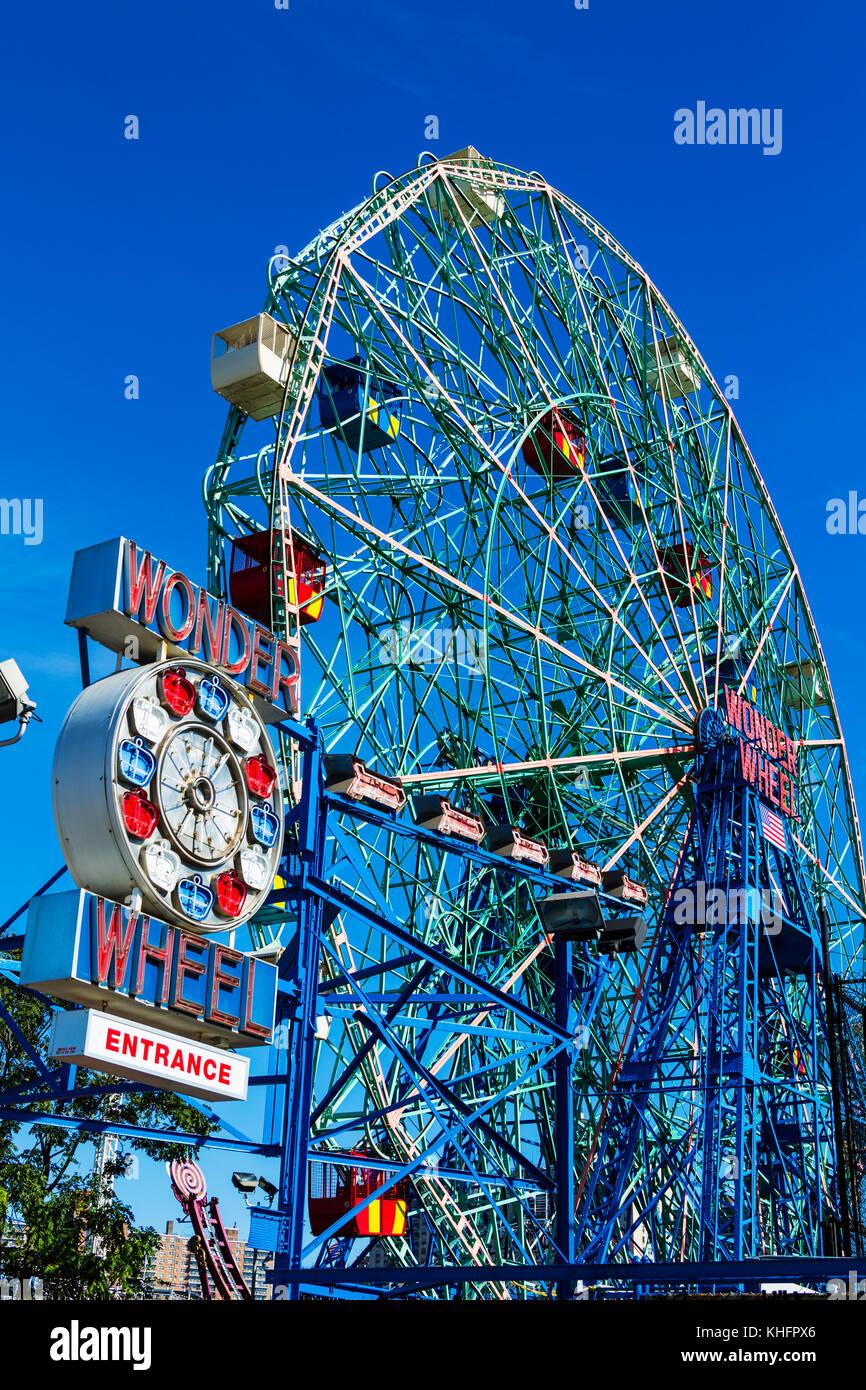 Coney Island, Brooklyn New York City USA. Wonder Wheel Ferris Wheel - Stock Image