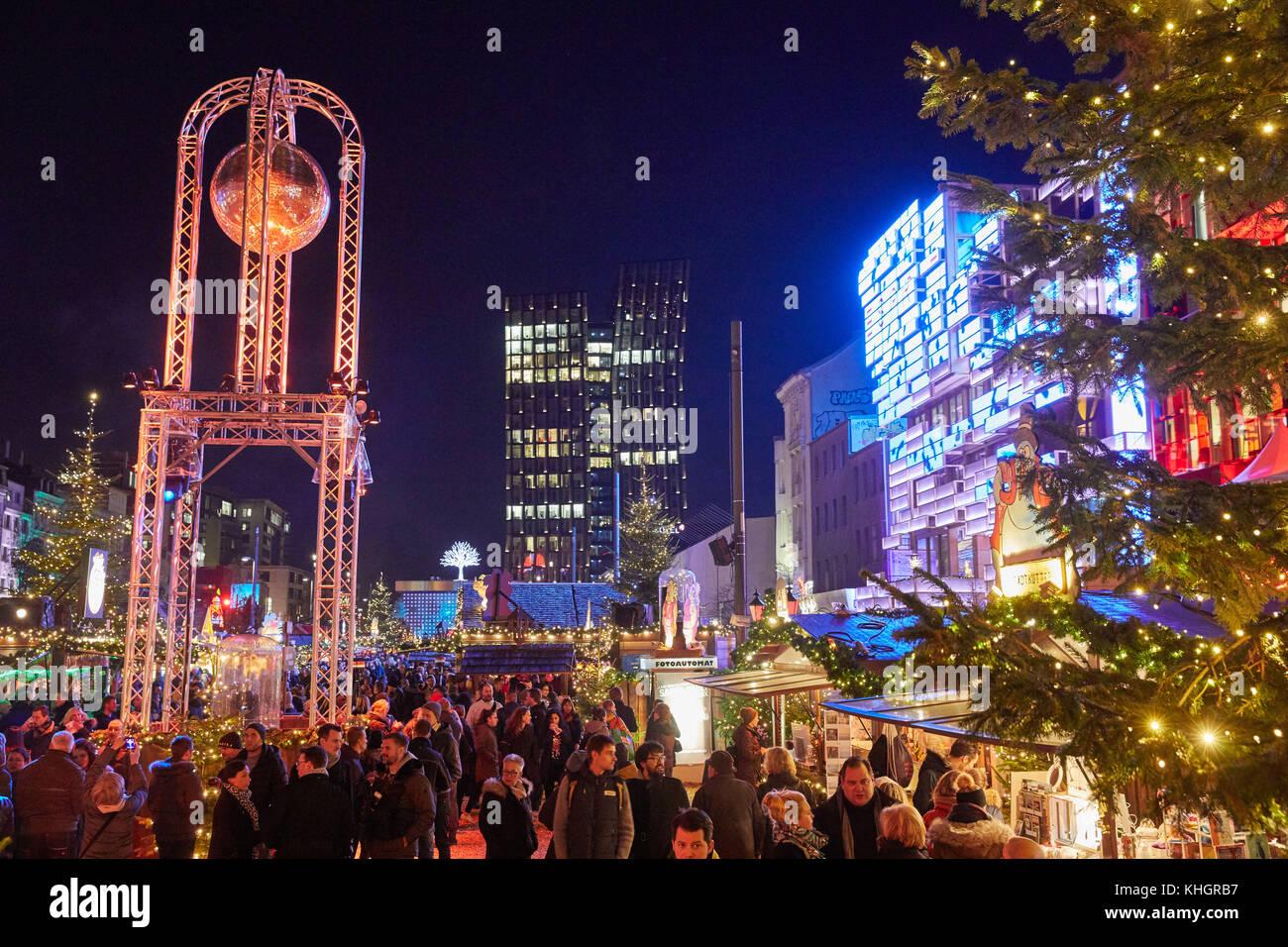 St Pauli Weihnachtsmarkt öffnungszeiten.Weihnachtsmarkt Santa Pauli Hamburg 2017 Santa Pauli 2019 03 04