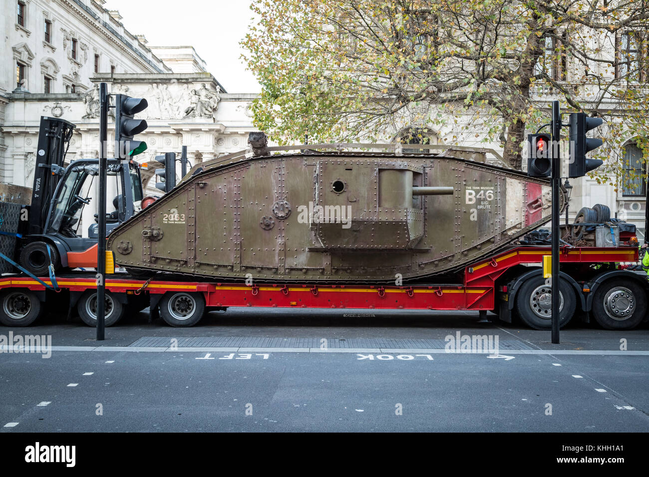 London, UK. 19th Nov, 2017. A replica First World War Mark IV tank used in Steven Spielberg's film War Horse makes - Stock Image