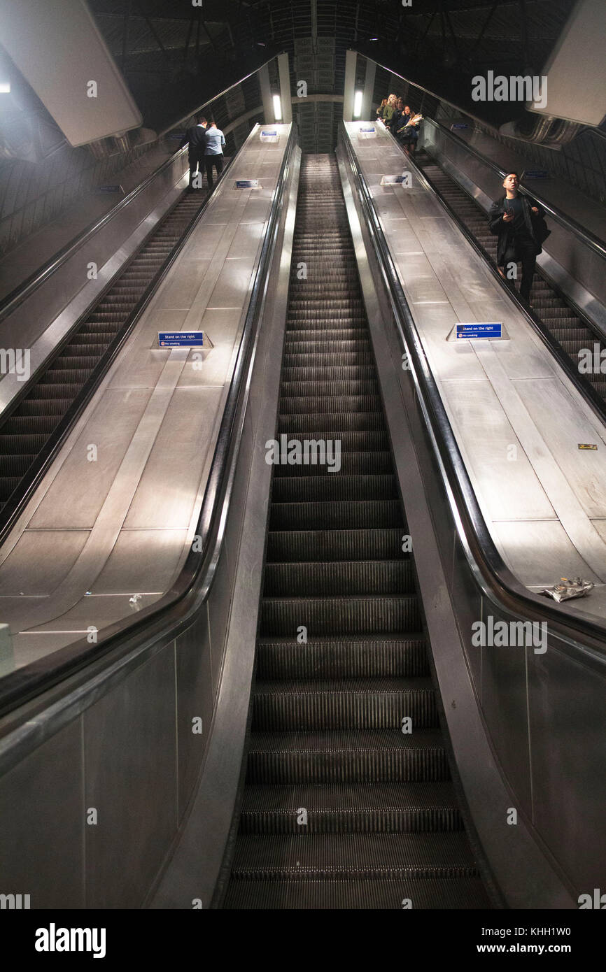 London, England, UK. 11th November 2017. People using the escalator in the tube station to get to different platforms - Stock Image