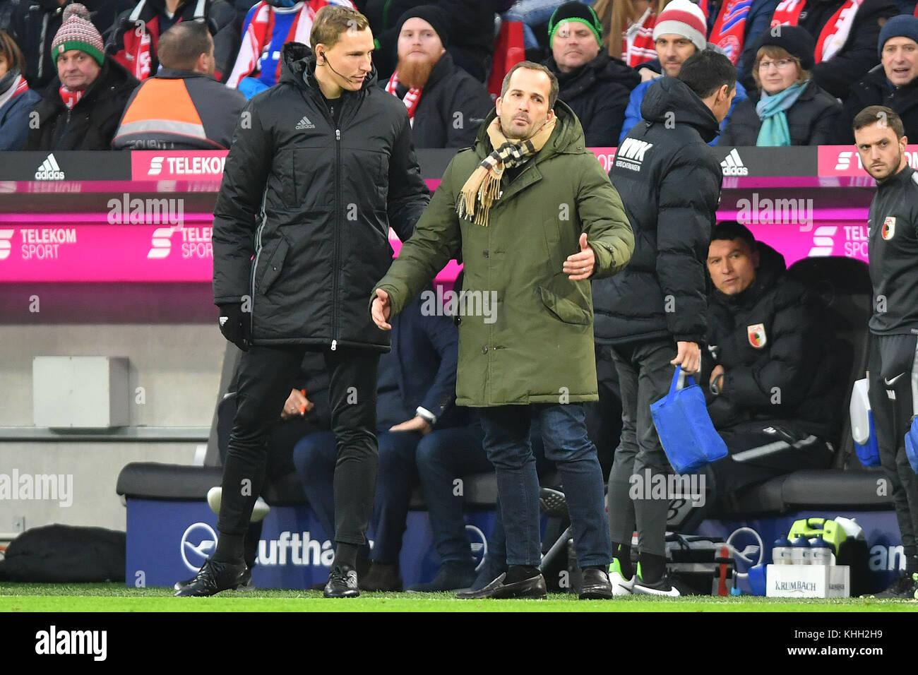 Manuel BAUM (Trainer FC Augsburg) hadert with dem Vierten Offiziellen, referee, Fussball 1. Bundesliga, 12.Spieltag, - Stock Image