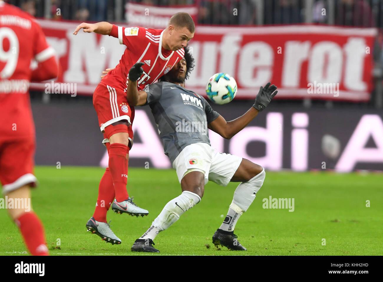 Joshua KIMMICH (FC Bayern Munich), F. CAIUBY DA SILVA (FC Augsburg), Aktion, duels. Fussball 1. Bundesliga, 12.Spieltag, - Stock Image