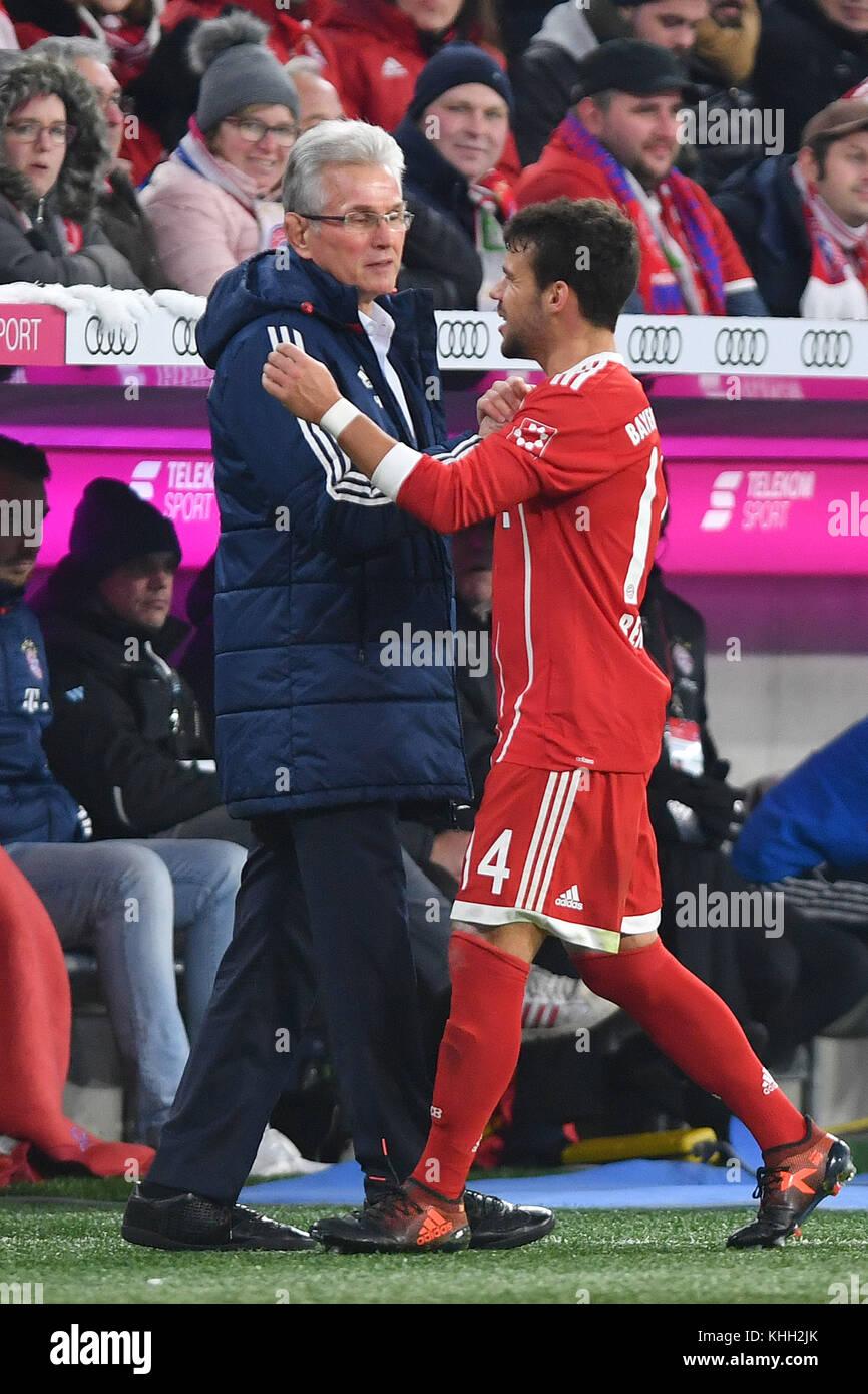 Jupp HEYNCKES (Trainer FC Bayern Munich) with Juan BERNAT (FC Bayern Munich) bei Auswechslung, Fussball 1. Bundesliga, - Stock Image