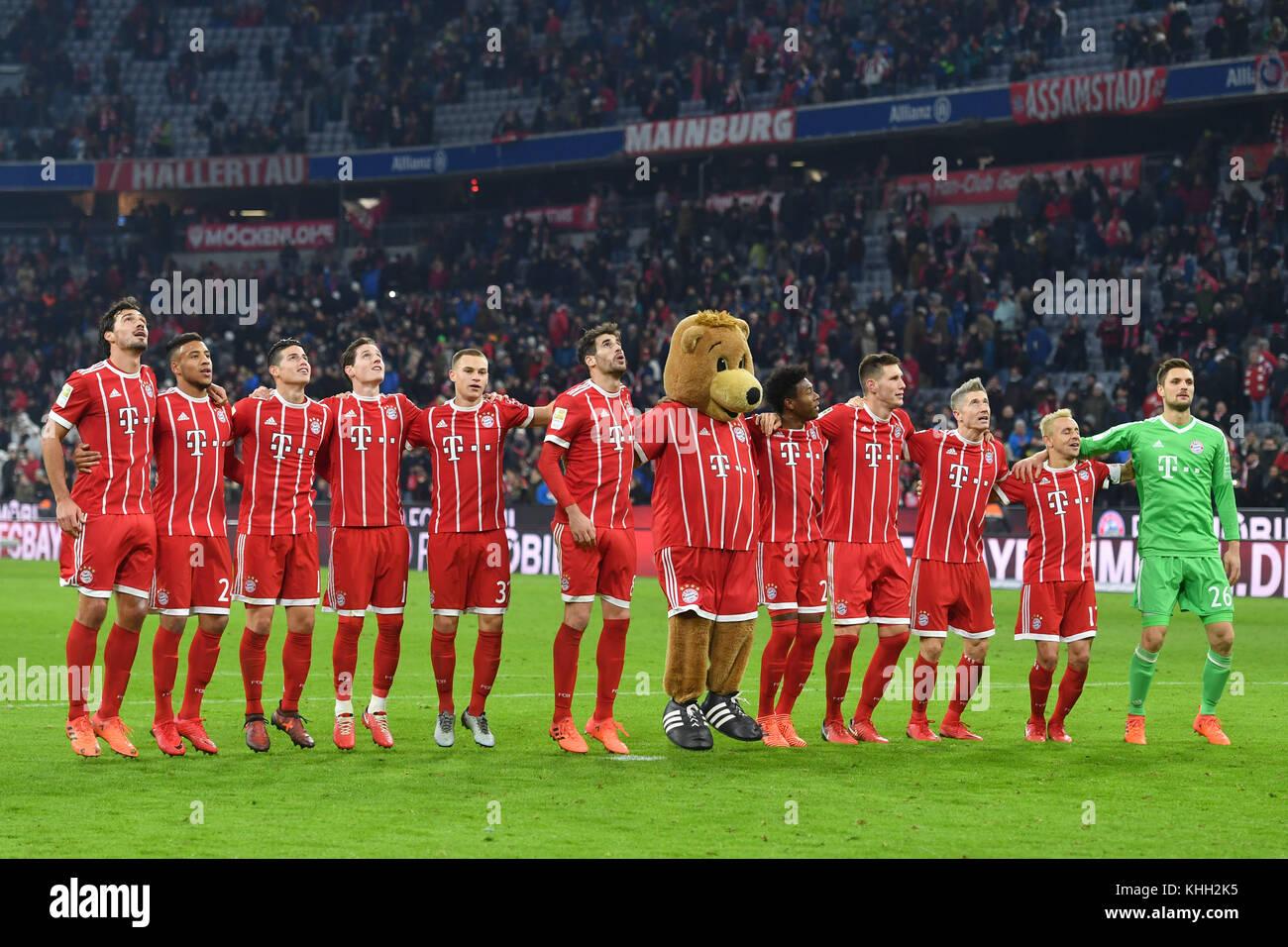 final jubilation, Freudentanz, Teamfoto, Team, Mannschaft, Mannschaftsfoto der Bayern Spieler, Aktion, jubilation, - Stock Image