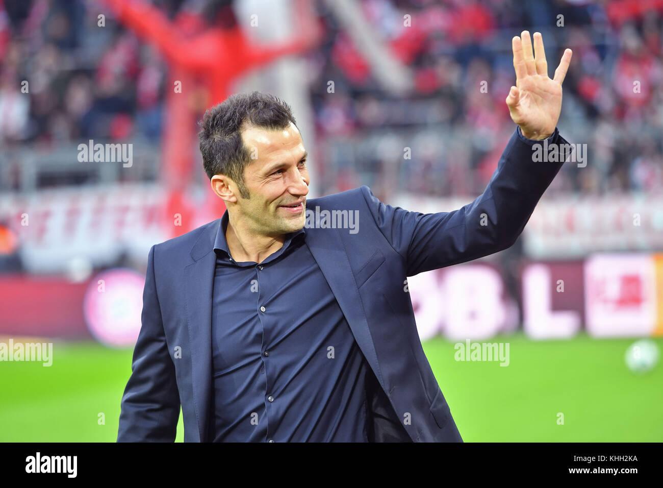Hasan SALIHAMIDZIC (Sportdirektor FC Bayern Munich), winkt, winken, winkend, Einzelbild, angeschnittenes Einzelmotiv, - Stock Image