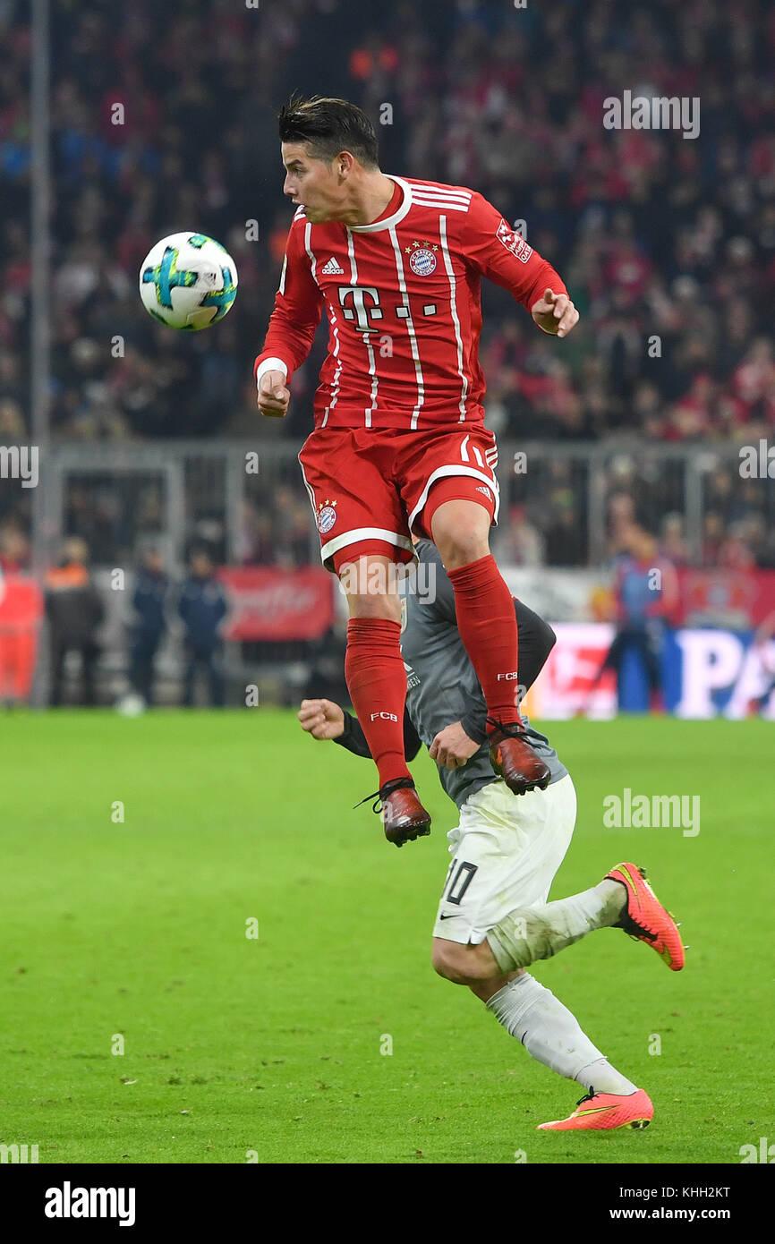 James RODRIGUEZ (FC Bayern Munich), Aktion, Kopfball. Fussball 1. Bundesliga, 12.Spieltag, Spieltag12, FC Bayern - Stock Image
