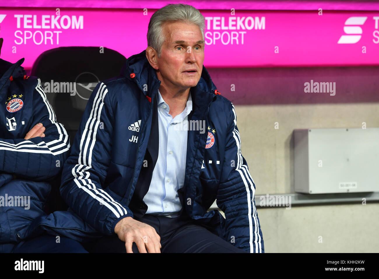 Jupp HEYNCKES (Trainer FC Bayern Munich), Einzelbild, angeschnittenes Einzelmotiv, Halbfigur, halbe Figur. Fussball - Stock Image