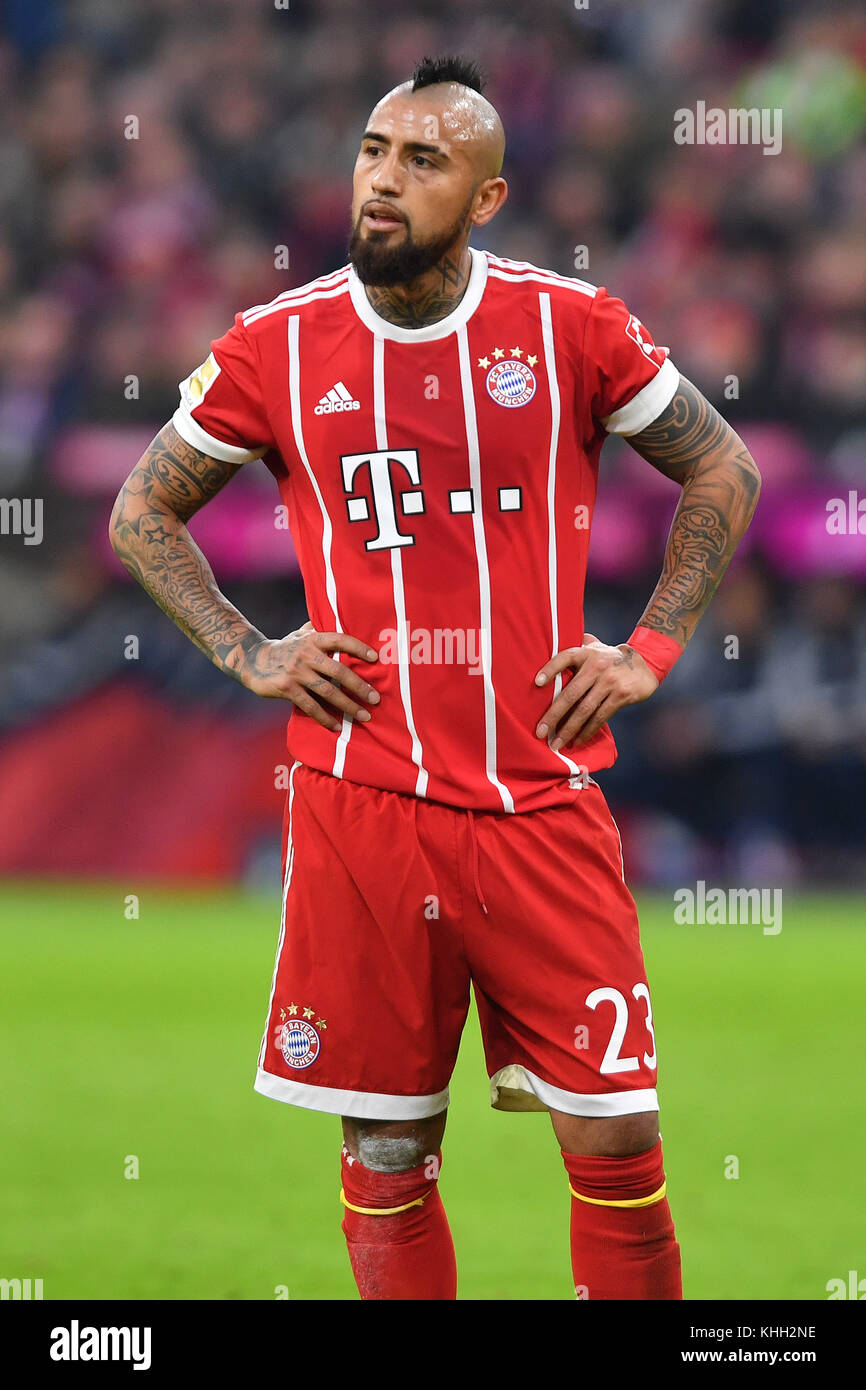 Arturo VIDAL (FC Bayern Munich), Aktion, Einzelbild, angeschnittenes Einzelmotiv, Halbfigur, halbe Figur. Fussball - Stock Image