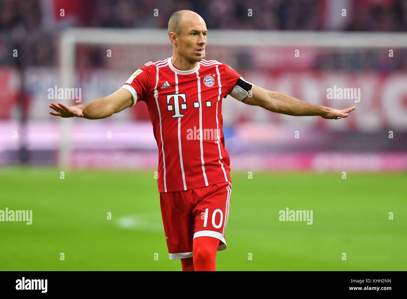 Arjen ROBBEN (FC Bayern Munich), gesture, Aktion, Einzelbild, angeschnittenes Einzelmotiv, Halbfigur, halbe Figur. - Stock Image