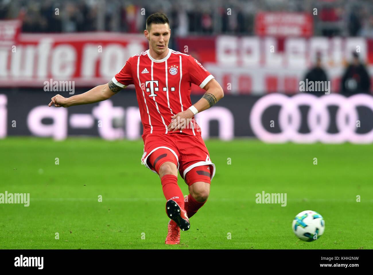 Niklas SUELE (FC Bayern Munich), Aktion, Einzelaktion, Einzelbild, Freisteller, Ganzkoerperaufnahme, ganze Figur. - Stock Image