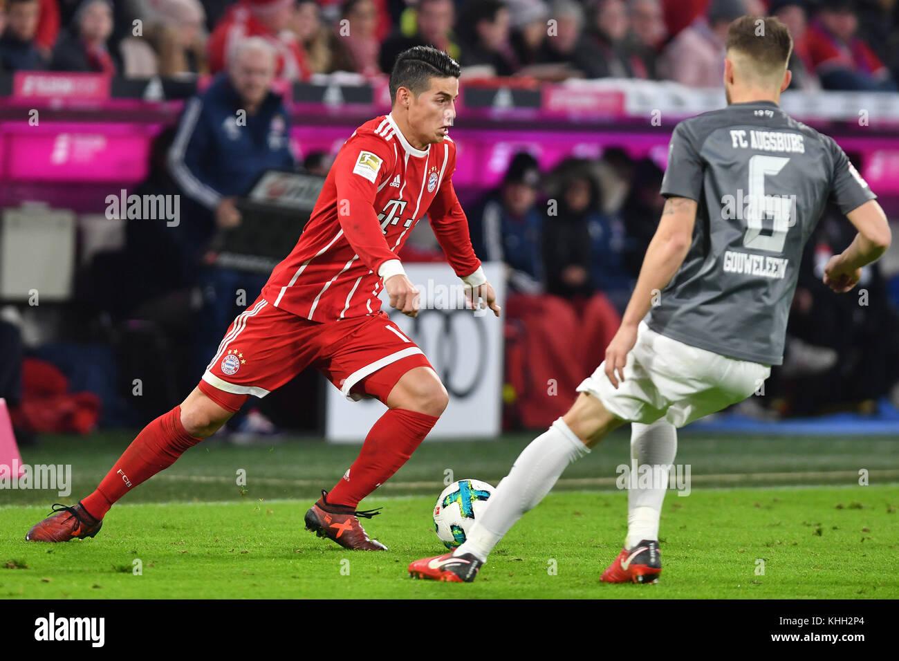 James RODRIGUEZ (FC Bayern Munich), Aktion, duels versus Jeffrey GOUWELEEUW (Augsburg). Fussball 1. Bundesliga, - Stock Image
