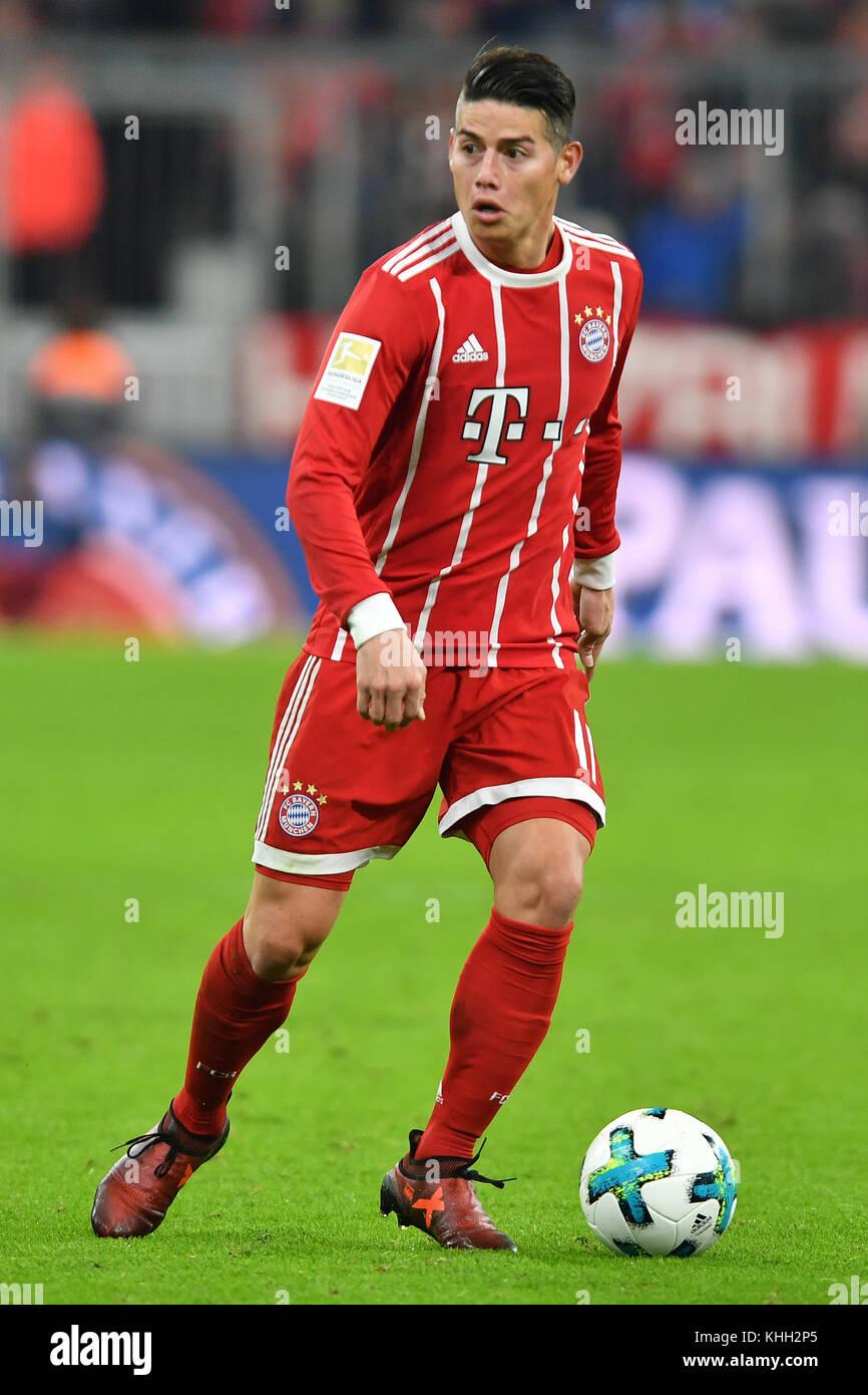 James RODRIGUEZ (FC Bayern Munich), Aktion, Einzelaktion, Einzelbild, Freisteller, Ganzkoerperaufnahme, ganze Figur. - Stock Image
