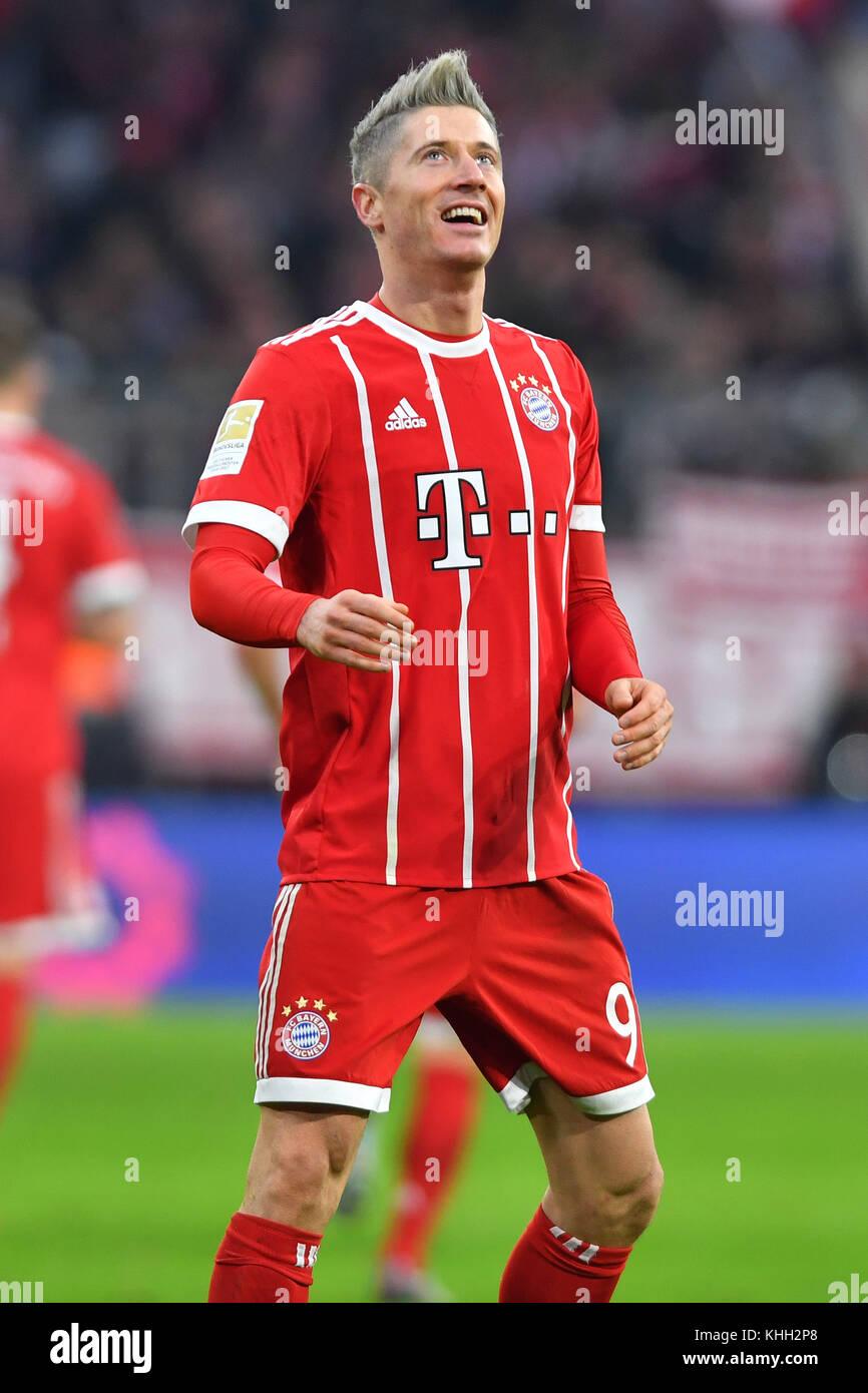 Robert LEWANDOWSKI (FC Bayern Munich), Aktion, Einzelbild, angeschnittenes Einzelmotiv, Halbfigur, halbe Figur. - Stock Image