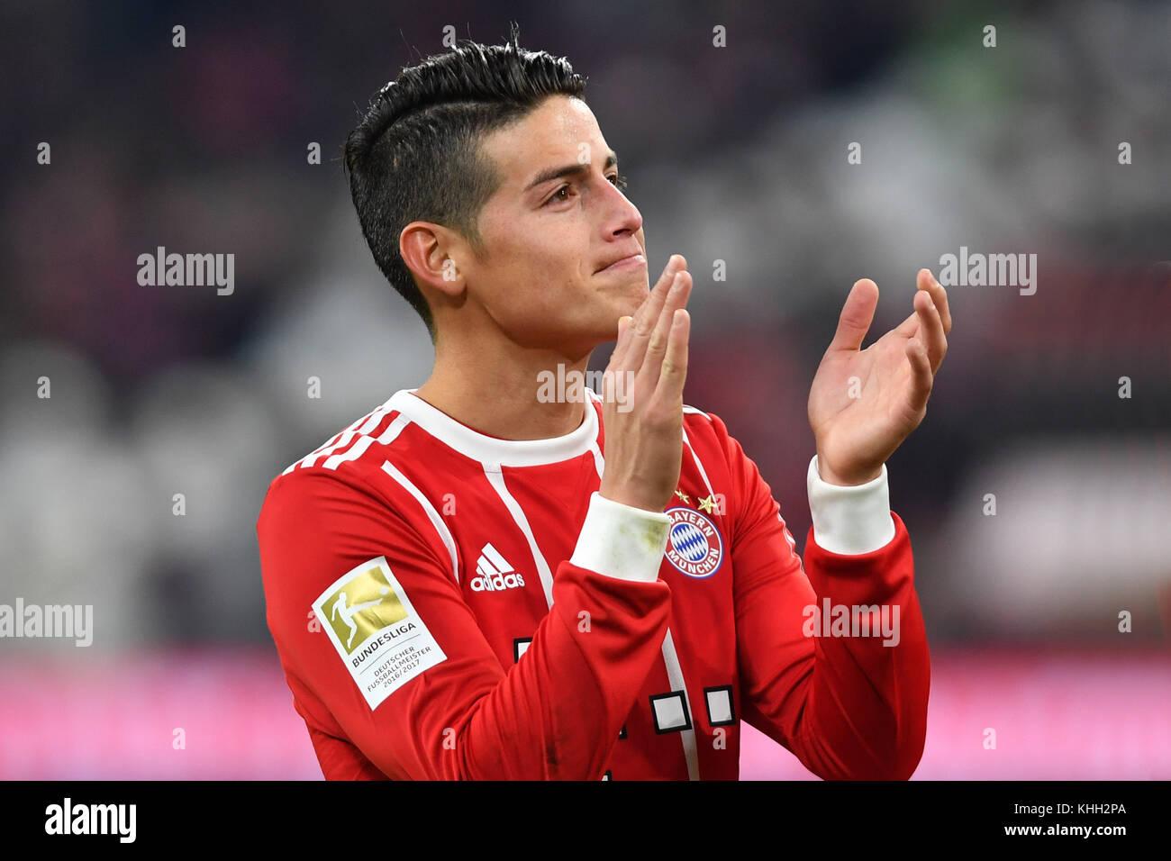 James RODRIGUEZ (FC Bayern Munich), klatscht Applaus, gesture, Aktion, Einzelbild, angeschnittenes Einzelmotiv, - Stock Image