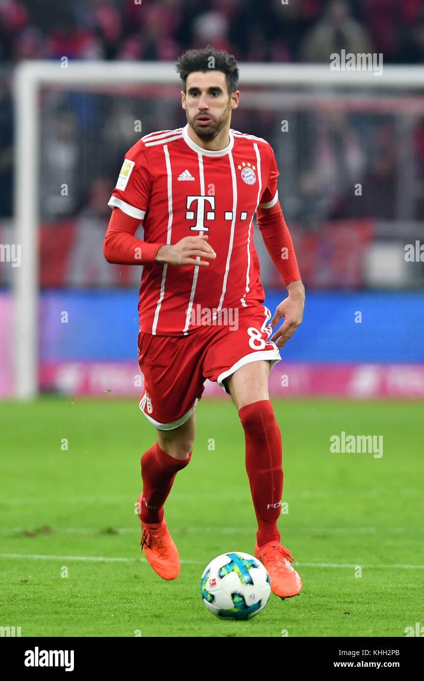 Javi (Javier) MARTINEZ (FC Bayern Munich), Aktion, Einzelaktion, Einzelbild, Freisteller, Ganzkoerperaufnahme, ganze - Stock Image