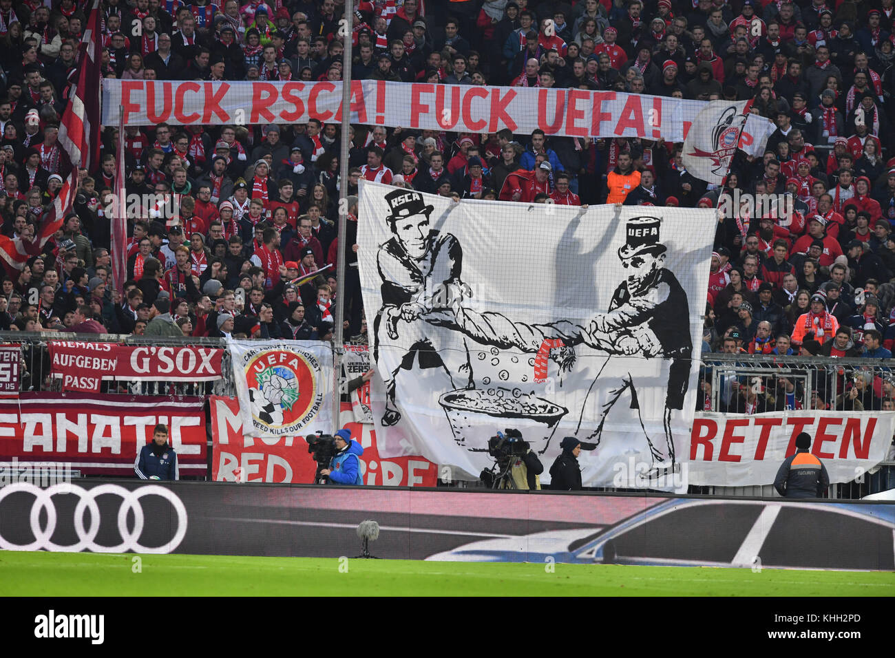 Anti UEFA Banner, Transparent im Bayern Fanblock, Fussball 1. Bundesliga, 12.Spieltag, Spieltag12, FC Bayern Munich - Stock Image