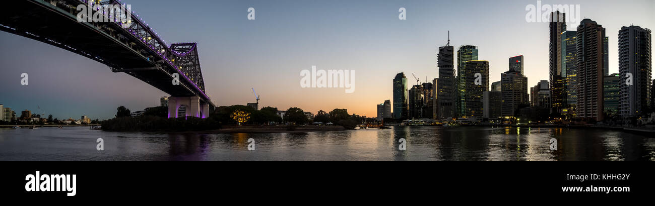 Brisbane city skyline at dusk - Stock Image