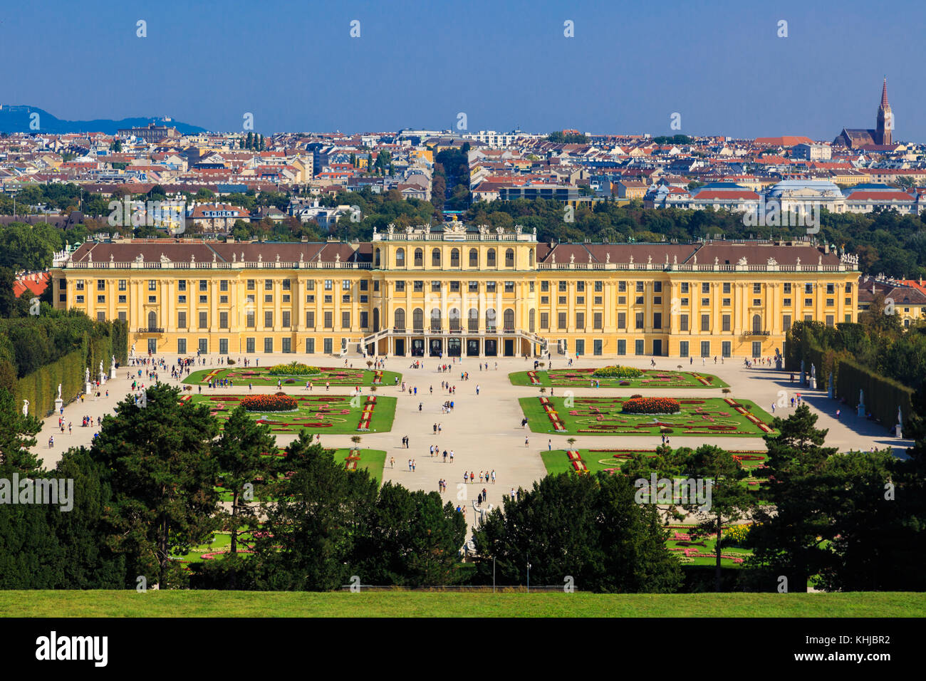 VIENNA, AUSTRIA - SEPTEMBER 11, 2016 : View of Schönbrunn Palace, one of best touristic attractions in Vienna - Stock Image