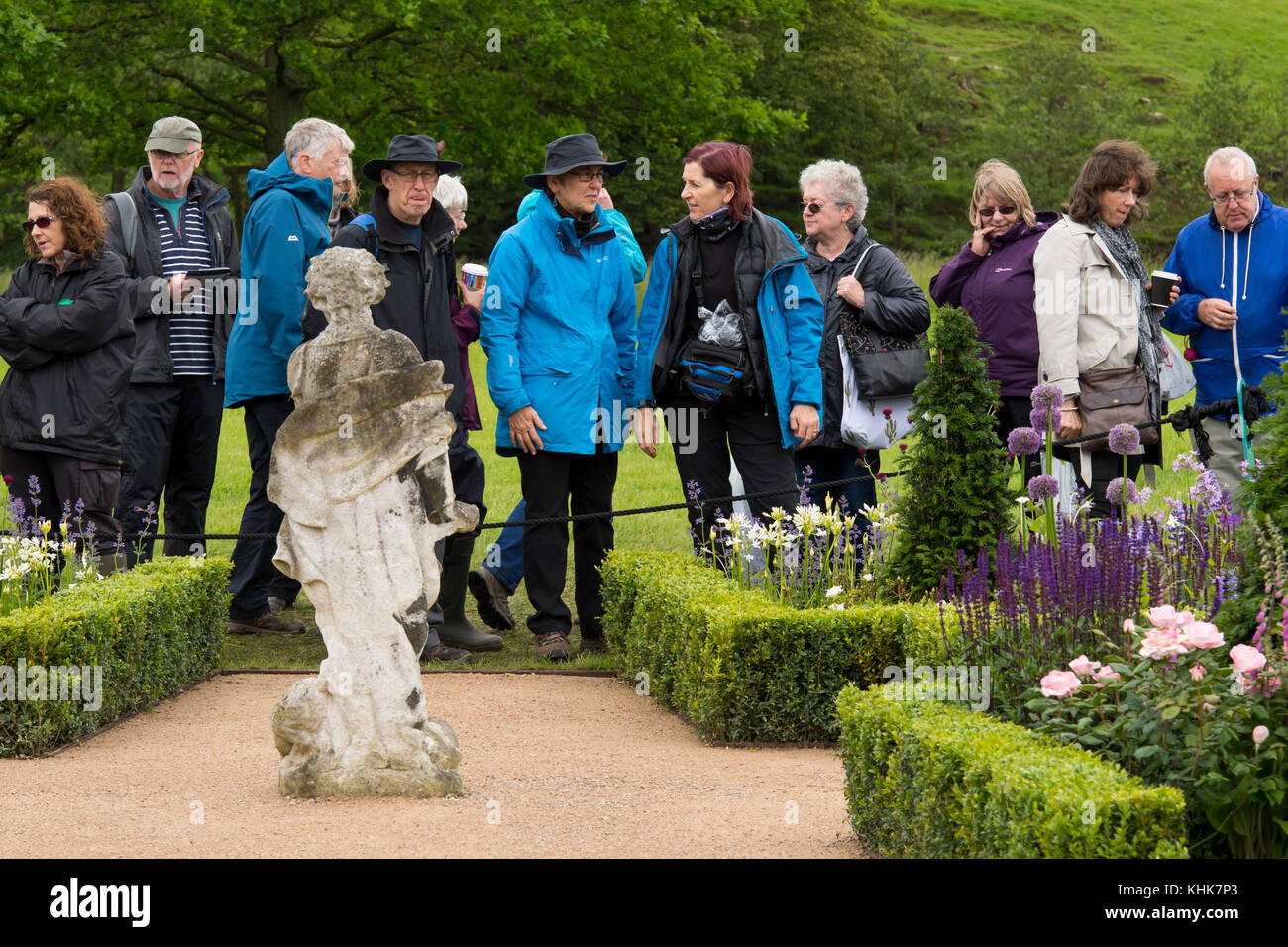 Members of the public viewing 'Experience Peak District & Derbyshire Garden' - RHS Chatsworth Flower - Stock Image