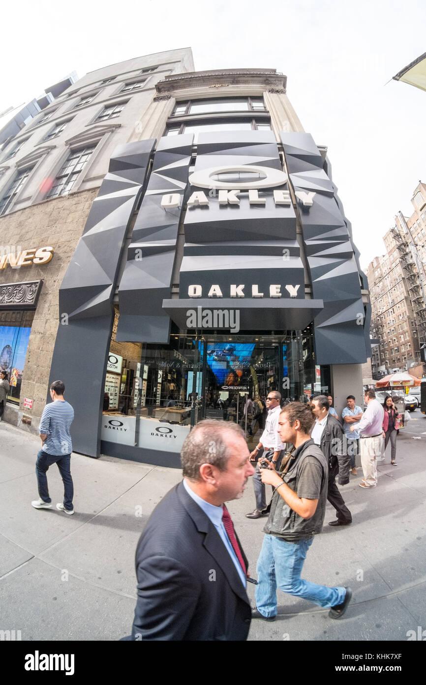 394a27dea9600 Oakley Stock Photos   Oakley Stock Images - Alamy